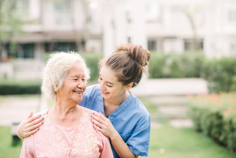 """""""Arbetsvillkoren i äldreomsorgen måste förbättras"""""""